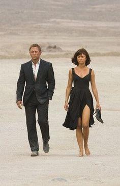 Test zu James Bond - Bond-Girl, James Bond, Test - Daniel Craig und Olga Kurylenko in Ein Quantum Trost © Sony Pictures