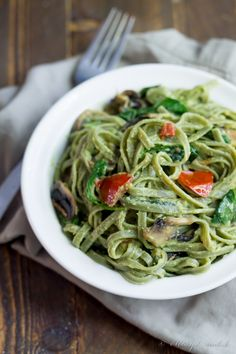 Avocado Alfredo Pasta by 40aprons: Quick and healthy #Pasta #Avocado #HEalthy #Quick