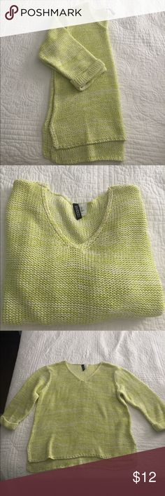 DIVIDED by H&M Heathered Green Sweater Size XS DIVIDED by H&M Heathered Green Sweater Size XS. Gently worn, great condition. No trades please! H&M Sweaters