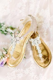15 Flat Wedding Shoes To Dance All Night You have gotten already chosen your favorite robe, now's the time to determine in your bridal sneakers. Must you don't want to placed on heels or ju. Sparkly Wedding Shoes, Beach Wedding Shoes, Wedding Flats, Bridal Shoes, Chic Wedding, Gold Wedding, Elegant Wedding, Dream Wedding, Boho
