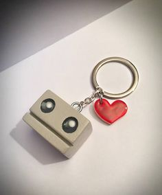 Cute little Oddbot keyring charm, handmade from pine wood and hand painted. Wood Craft Patterns, Wood Block Crafts, Wooden Crafts, Diy Beauty Room Decor, Diy Bag Charm, Small Wood Projects, Vinyl Projects, Diy Gifts For Dad, Christmas Wood