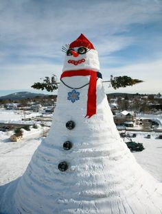 The Largest Snowman Snowwoman in the World!  Bethel, Maine, USA