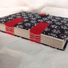 caderno revestido em tecido e costura códex