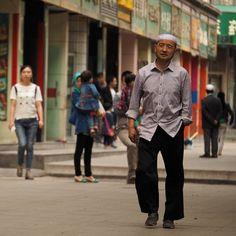 Mes première impressions, pas toujours très sérieuses en parfois un peu foutraque de mon premier voyage en Chine. Un aller en train Paris-Urumqi puis un mois de voyage dans l'ouest de la Chine sur la route de la soie.