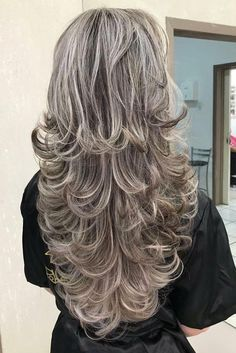 Haircuts for Long Hair 2019 50 Gorgeous Layered Haircuts for Long Hair Haircuts For Long Hair With Layers, Long Layered Haircuts, Long Hair Cuts, Layered Hairstyles, Thin Hair, Medium Hair Styles, Curly Hair Styles, Long Gray Hair, Hair Highlights