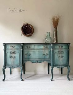 Farmhouse Paint, French Country Style, Paint Furniture, Painted Sideboard, French Provincial, Chalk Paint Furniture, Furniture Styles, Painted Buffet, Painted Furniture