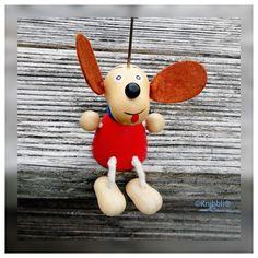 Kärtchen Bildchen Halter Motiv Hund Dog auf Knibbli.com #Geschenk #Deko #Fun #Spaß #Präsent #Holz #Motiv #Perle #perlen #Schmuck #Hund #dog #Karten #Karte #Kartenhalter #Kärtchenhalter #Bild #Bilder #Bildhalter #Bildchenhalter #Figur #Platzkarte #Platzkärtchen #Platzkartenhalter #Platzkärtchenhalter #Tischdeko #Schrankdeko #Wohnen #wohnstyl #Küchenstyl #Tischstyl #Lifestyl #Tischfigur #Schrankfigur #Regaldeko #Regalfigur #Spirale #Spiralhalter #spirale #Party #Event #Designdeko #Geburtstag