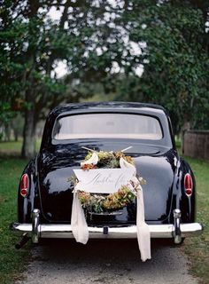 wedding reception vintage car | photo jose villa