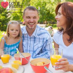 Ingerir líquidos durante as refeições engorda?  Acesse: http://blog.lovefruits.com.br/post/ingerir-liquidos-durante-as-refeicoes-engorda