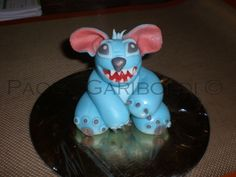 Fat Stitch as result of wrong sugar paste but it's nice  ;-)))