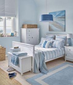 50+ Blue Bedroom Ideas for Women_16