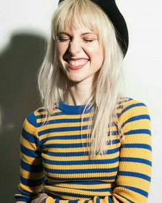 Paramore frontwoman Hayley Williams talks to us about her struggles with acne, her favorite natural skincare products, why she decided to launch hair dye company goodDYEyoung, and how self-expression helps her cope with anxiety and depression. Hayley Williams Haircut, Hayley Williams Blonde, Hayley Paramore, Paramore Hayley Williams, Good Dye Young, Hayley Wiliams, Taylor York, Good Looking Women, Grunge Hair