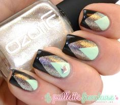 Ozotic 908 features in this mani La Paillette Frondeuse!  WOWZA speechless....