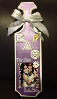 Kappa Alpha Theta paddle for my big! Slight purple ombré. And couldn't leave out the glitter of course.