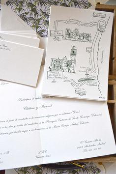 Invitaciones de boda con planos personalizados y sobres con forro en Kentias de la Colección TROPICAL ONE by Silvia Galí Invitaciones. www.silviagali.com