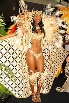 .. Do you know what I'll do in this COSTUME?? IT'S SOOOOO PRETTY Island People Mas: Trinidad 2015