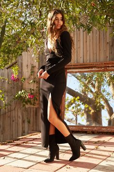 Bodycon maxi dress with a plunging v-neckline and thigh high split at front skirt in a stretch ponte fabric. Winter Wedding Outfits, Stylish Winter Outfits, Winter Dress Outfits, Dresses To Wear To A Wedding, Hot Outfits, Fall Winter Outfits, Cute Casual Outfits, Fashion Outfits, Black Outfits