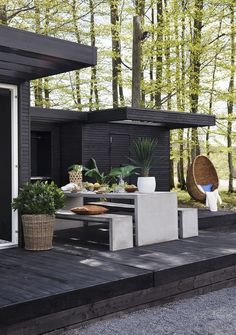 Outdoor Kitchen Ideas For The Best Summer Yet! Browse pictures of outdoor kitchen designs, outdoor kitchen plans, and outdoor kitchen essentials for ideas to create a beautiful, functional alfresco dining room.