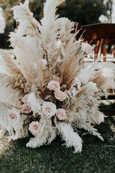Flower Centerpieces, Wedding Centerpieces, Flower Arrangements, Whimsical Wedding, Floral Wedding, Wedding Flowers, Bridal Shower Decorations, Wedding Decorations, Burlap Roses