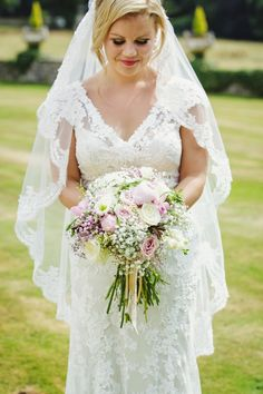 Glangrwyney Court Wedding Photography by Gemma Williams www.gemmawilliamsphotography.co.uk