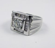 1.05ct t.w. Diamond Men's ring 18K solid stamped White Gold, 9.76grams, vintage