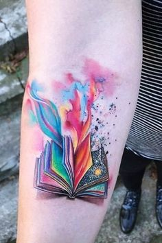 Exceptional Book Tattoo Ideas tattoo designs ideas männer männer ideen old school quotes sketches Neue Tattoos, Body Art Tattoos, Small Tattoos, Lower Leg Tattoos, Small Colorful Tattoos, Tattoo Girls, Girl Tattoos, Tatoos, Saying Tattoos