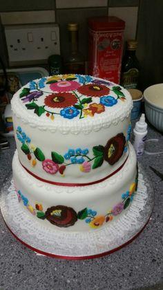 kalocsai mintás esküvői torta Kalocsai mintás emeletes esküvői torta | Hungarian | Pinterest  kalocsai mintás esküvői torta