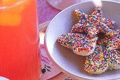 No party is complete without fairy bread and these pretty shapes will capture the kids' imaginations. Baby Boy 1st Birthday Party, Wiggles Birthday, 5th Birthday, Birthday Cakes, Birthday Ideas, Australian Food, Australian Recipes, Fairy Bread, Homemade Wine