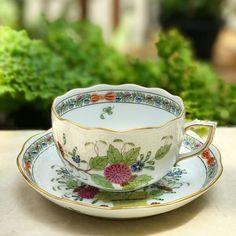 Antique Teacup by Herend Hungary #vintageteacup #antiqueteacup #teacup #vintage #antique #vintageteacup #collectorsitem #teacuplover #teacupcollectors #teacupaddict #teacupcollector #hightea #homedecor #teaparty #teatime #porcelain #antiqueporcelain