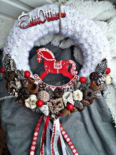 Winter Christmas, Christmas Time, Christmas Wreaths, Christmas Crafts, Christmas Decorations, Xmas, Holiday Decor, 4th Of July Wreath, Burlap Wreath