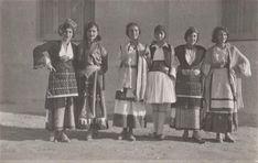 #Macedonian women wearing #Greek traditional #costumes in #Thessaloniki, 1950s | #Photography Lykidou | #OldPhotos #Macedonia #greece