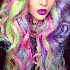 Neuer Haar-Trend: bunte Strähnchen