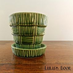 Items similar to Ceramic Flower Pot - Vintage McCoy Pottery - Plant Pot - Green Planter - Basketweave Pattern - Green Pottery - Emerald Green Pot on Etsy Mccoy Pottery, Vintage Pottery, Vintage Ceramic, Ceramic Flower Pots, Container Plants, Green Plants, Antique Glass, Basket Weaving, Handmade Crafts
