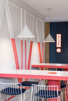 Sign of the times: Branding fast-food venues Cafe Design, Store Design, Design Design, Interior Walls, Interior And Exterior, Café Bistro, Bar Restaurant, Modern Restaurant, Fast Food Restaurant