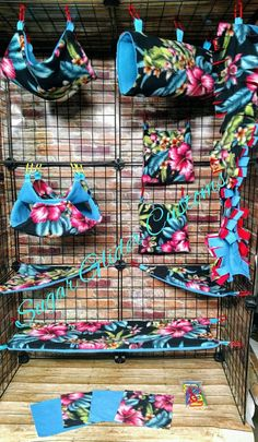 Check out this item in my Etsy shop https://www.etsy.com/listing/529534252/hibiscus-13-piece-sugar-glider-cage-set