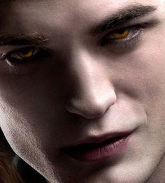 """Él es un inmortal"", Edward Cullen, The Cullen, Edward Bella, Twilight Saga Series, Twilight Edward, Twilight Movie, Twilight Quotes, Robert Pattinson Twilight, Smile Gif"
