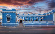 Uno de los hoteles de lujo en el centro de Mérida, único por ser declarado Monumento Histórico, permítanos servirle y reviva una época hermosa.
