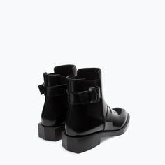 Can't believe this is just ZARA - WOMAN - FLAT MASK BOOTIE <3