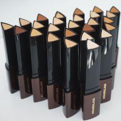 First impression https://youtu.be/0rmVkVerE0A new hourglass stick foundation #shaaanxo #hourglass #firstimpression #makeup