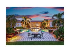 Amazing gardens, pool area and several outdoor seating areas make this large Lakewood Ranch lot and exceptional outdoor space. See how it looks when you look towards the lake http://www.michaelsaunders.com/properties/property-detail/16315-clearlake-ave-lakewood-ranch-fl-34202/A4164194/  This Clearlake Ave, Lakewood Ranch in FL is for sale. #lakewoodranch #luxuryhomesflorida