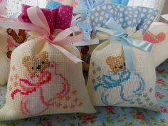 Cross Stitch Baby, Cross Stitch Patterns, Burlap Bags, Tutti Frutti, Cross Stitching, Pumpkin Carving, Needlework, Diy And Crafts, Baby Shower