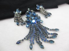 D&E Dangle Brooch Earring Demi Parure