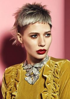www.estetica.it  Haircut  Hair: Scott Sloan @Sloans / Styling: Clare Frith / Make up: Maddie Austin / Photo: Jack Eames