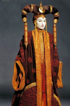 Queen Amidala wore an extravagant gown during her Senate appearance. | Satisfy Your Star Wars Addiction By Drooling Over Queen Amidala's Costumes