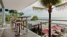 KU DE TA Beach Club - Bali - Small Bar & Bar seats #bar #seaview #enjoy #beach #design