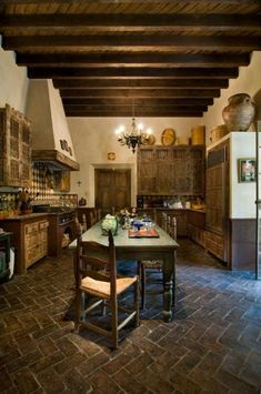 Spanish Old World Kitchen..oh my, I love this!