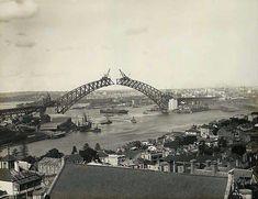 Construction of the Sydney Harbour Bridge.