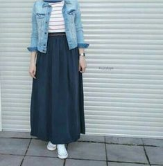 9 Meilleurs Styles Hijab Avec Jeans Pour Un Dressing Chic - Tesettür Jean Modelleri 2020 - Tesettür Modelleri ve Modası 2019 ve 2020 Modern Hijab Fashion, Street Hijab Fashion, Hijab Fashion Inspiration, Muslim Fashion, Look Fashion, Fashion Outfits, Fashion Muslimah, Abaya Fashion, Dress Fashion