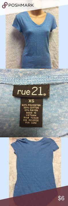 Rue 22 Hi-lo T-Shirt Light blue hi-lo tshirt from Rue 21 Rue 21 Tops Tees - Short Sleeve