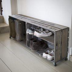 Meuble à chaussures sur roulettes en épicéa Colworth